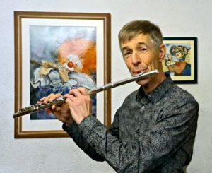 Hans in zijn werkkamer, 'de kleinste concertzaal van Nederland'